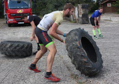 Převracení pneu